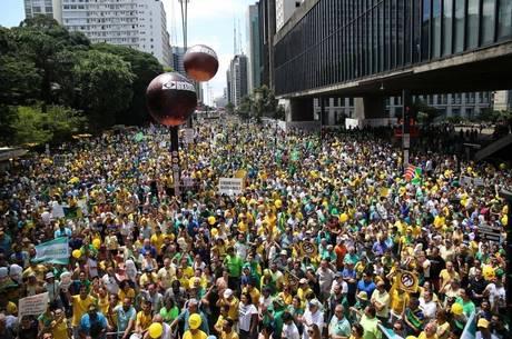Estabilidade política é crucial para Brasil sair da recessão, diz autoridade dos EUA