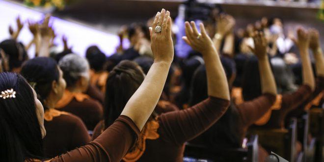 mulheres-igreja-vivem-mais-1