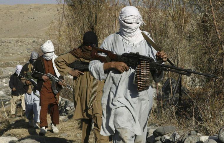 Igreja liberta 4500 escravos cristãos do Talibã e converte centenas de outros seguidores