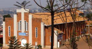 porta-cogic-brasil-Igreja de Sainte-Famille em Kigali, Ruanda.