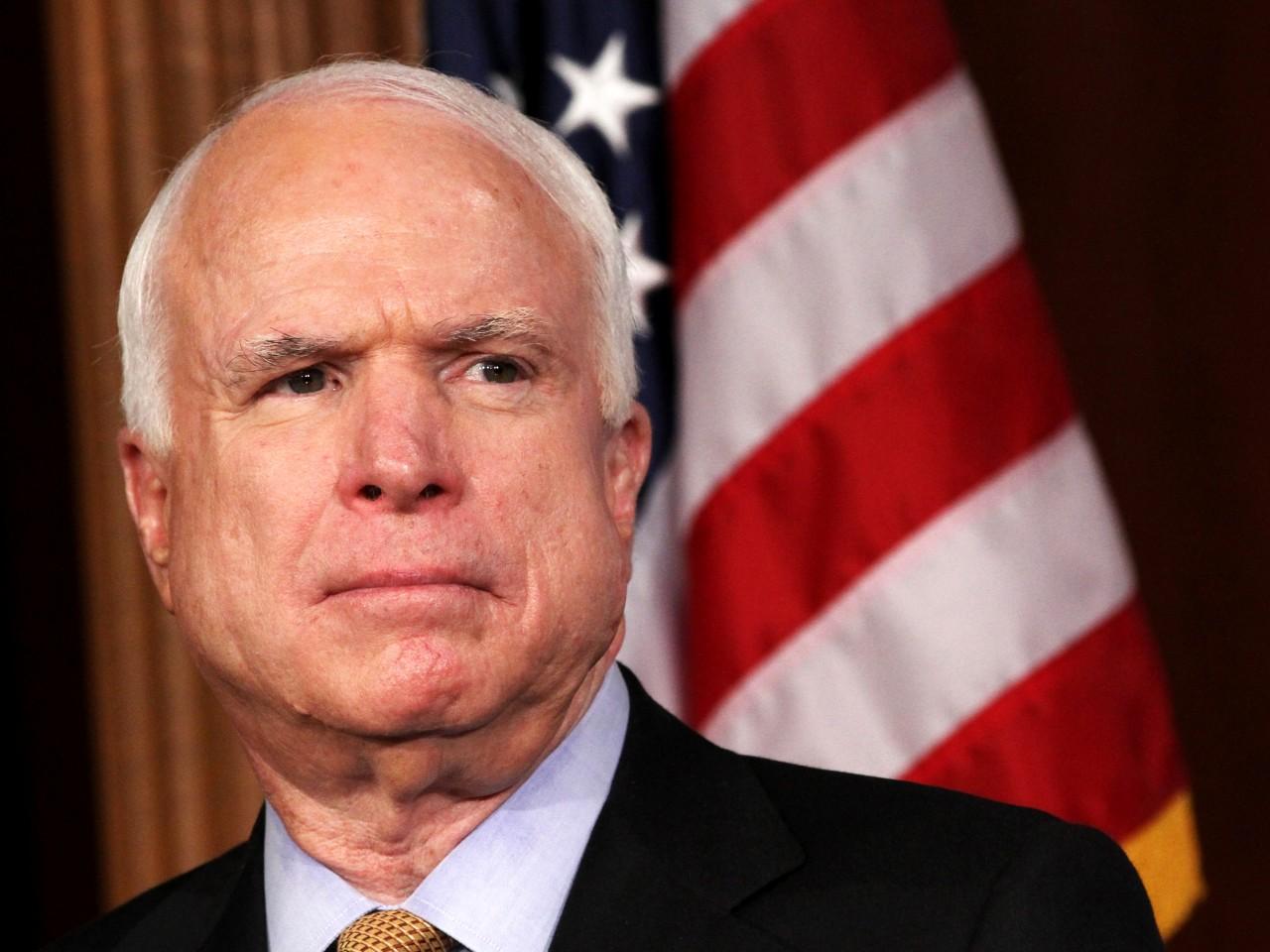 John McCain, influente senador dos EUA e candidato à presidência, morre aos 81 anos